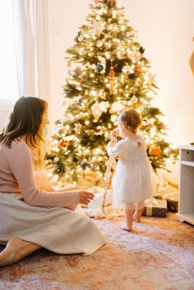 Putting up a tree is best done with family, especially children (Photo courtesy of The Mama Notes)
