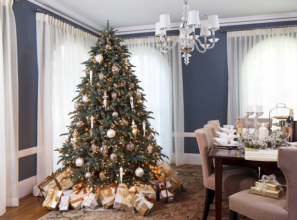 elegant christmas party decorated living room