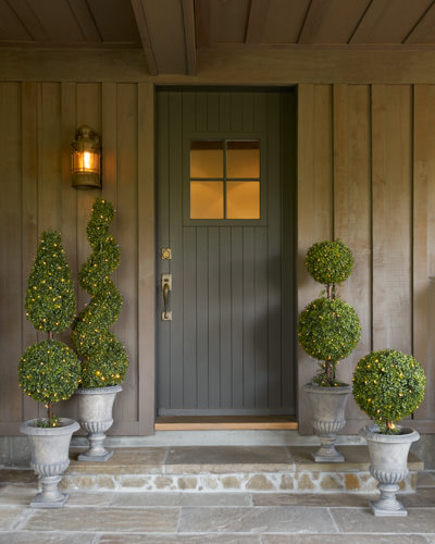 Our versatile Battery-Operated Boxwood Topiaries