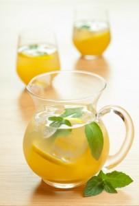 Balsam Hill_Mothers Day Brunch_Mint Lemonade by dusky