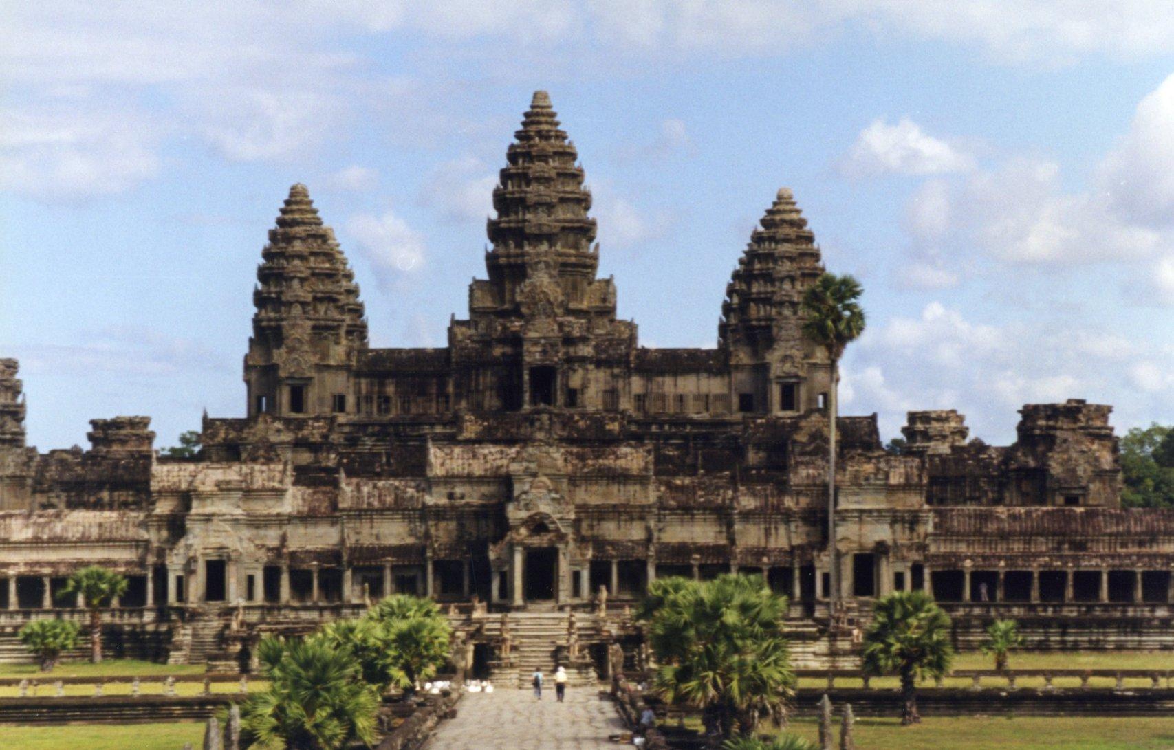 Balsam Hill Traveler Angkor Wat