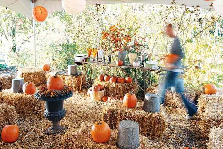 Straw Bale Seating to replace the common chair in your Halloween party
