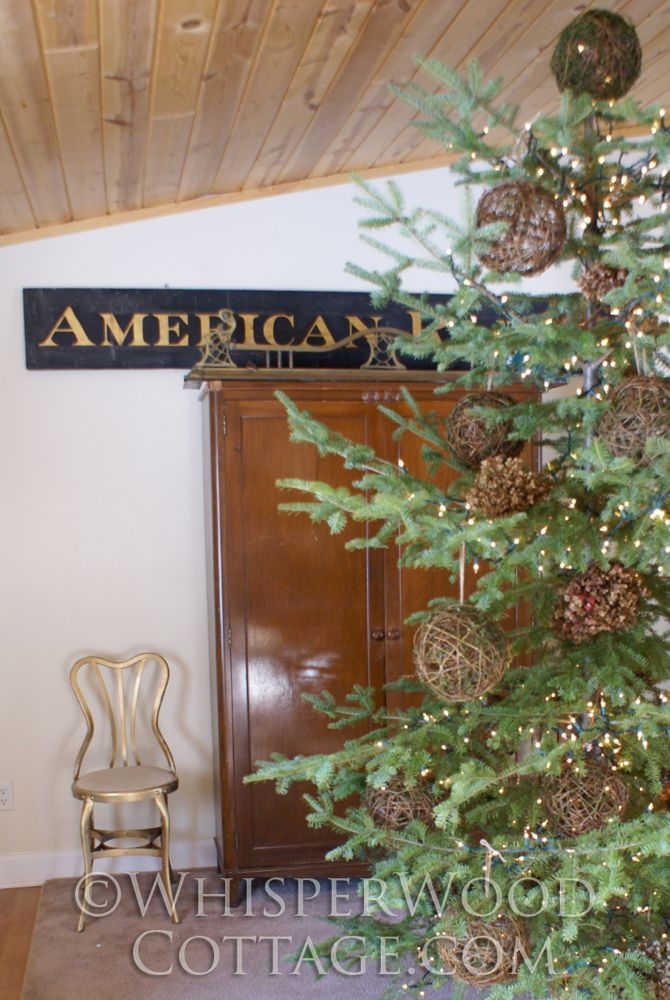 a rustic tree is ideal for cabin like spaces