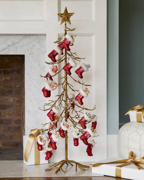 gold ornament tree