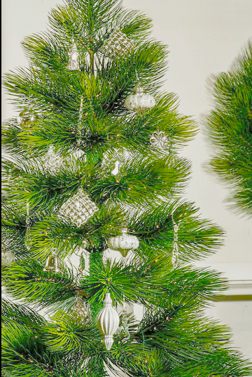 The Majestic Pine adorned with the Sparkle and Snowflake Ornament Collection