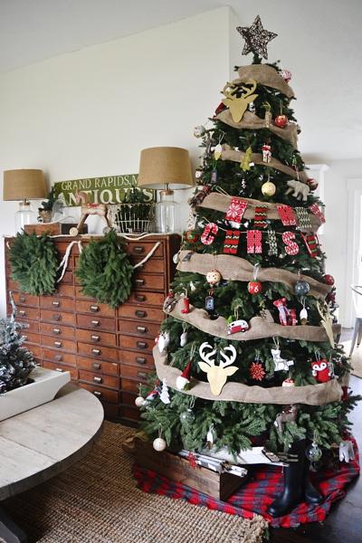 Liz Marie Decorates a Balsam Hill Stratford Spruce