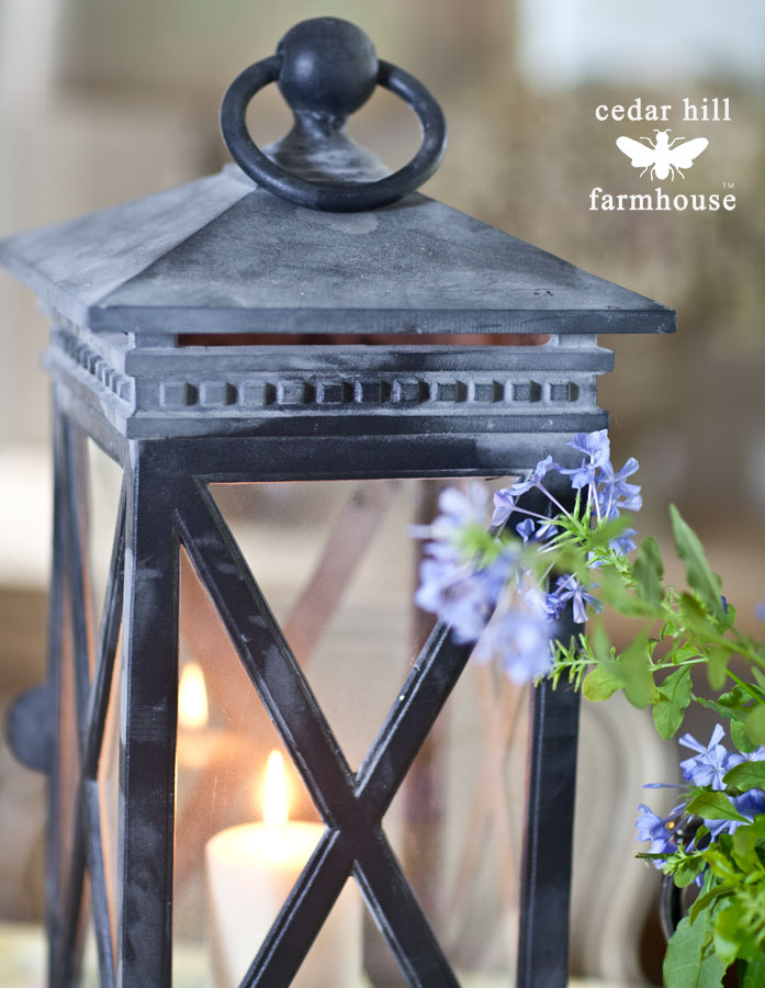Anita's Candela Crossbar Lantern