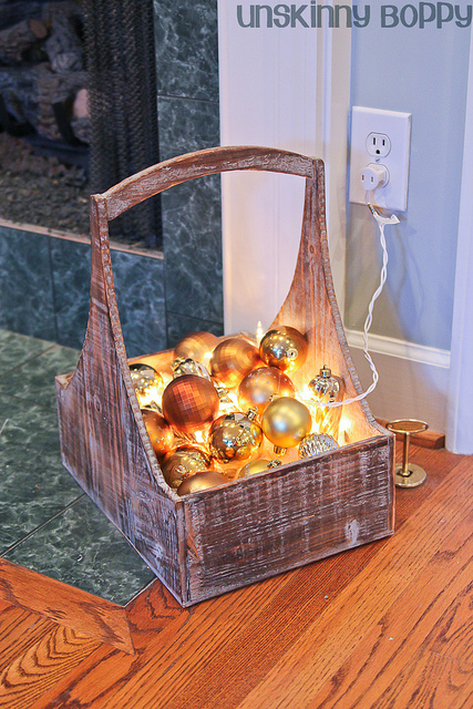 Glittering ornament basket
