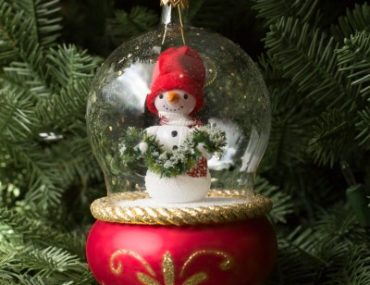 Balsam Hill's De Carlini Snowman Glass Ornament
