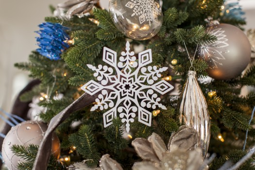 Snowflake accents created with the Cricut machine make perfect embellishments