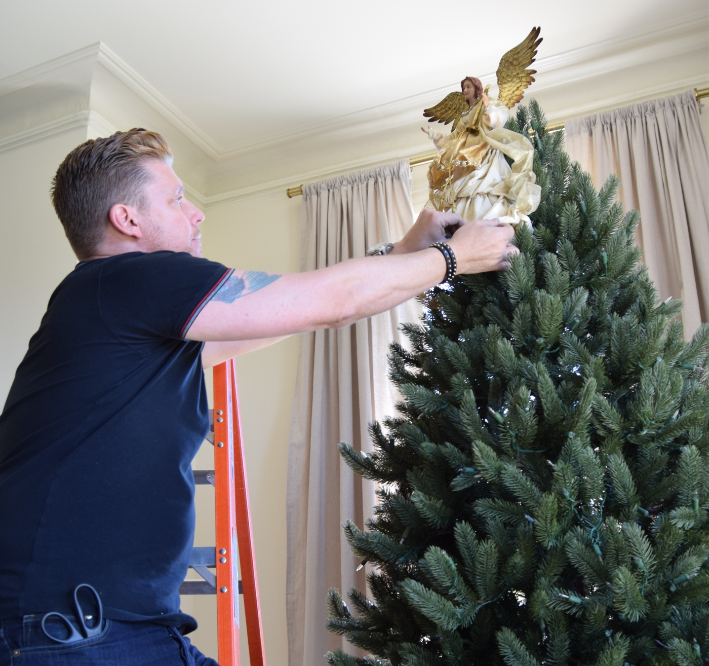 Placing The Tree Topper For Balsam Hill S
