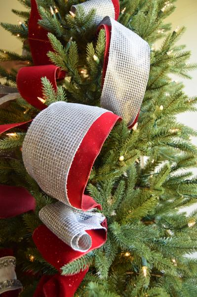 Brad Schmidt's Ribbon Decorating Ideas for Christmas Trees