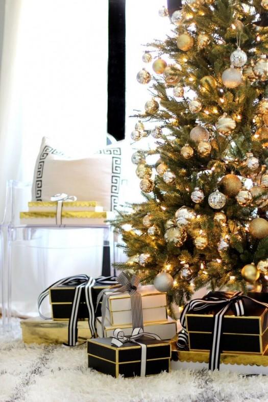 Kristin's glamorous Christmas tree