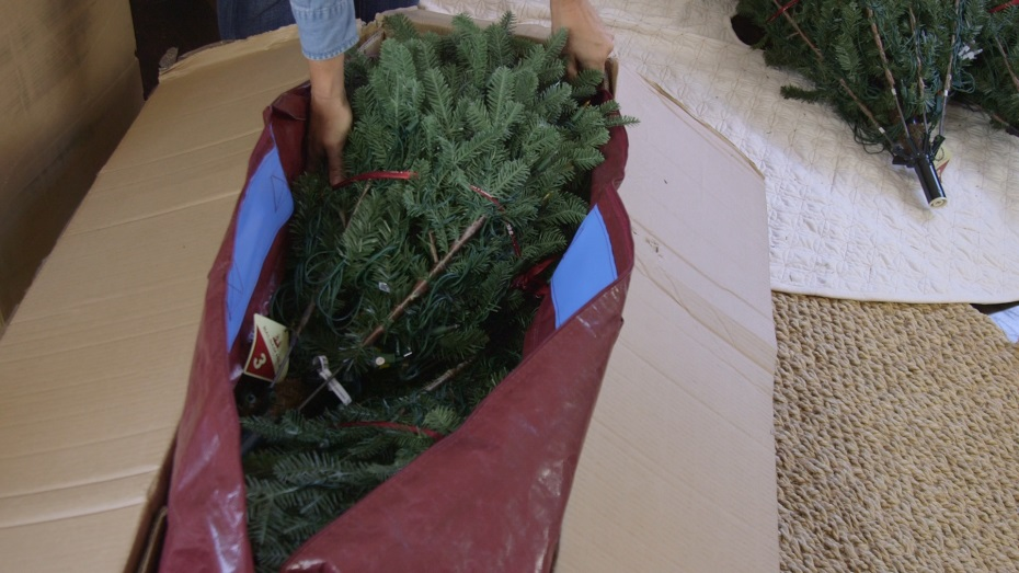 How To Store Holiday Decorations Balsam Hill Artificial