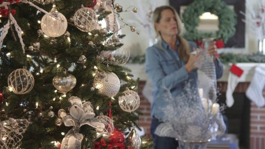 A behind the scenes peek at decorating the Red, White and Sparkle tree