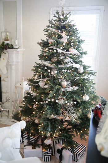 Balsam Hill Sugarland Spruce Artificial Christmas Tree