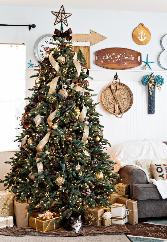 2015 Rustic Luxe Christmas Tree by Maryann of Domestically Speaking