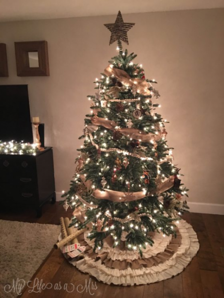 Decorated tree from My Life As A Mrs.