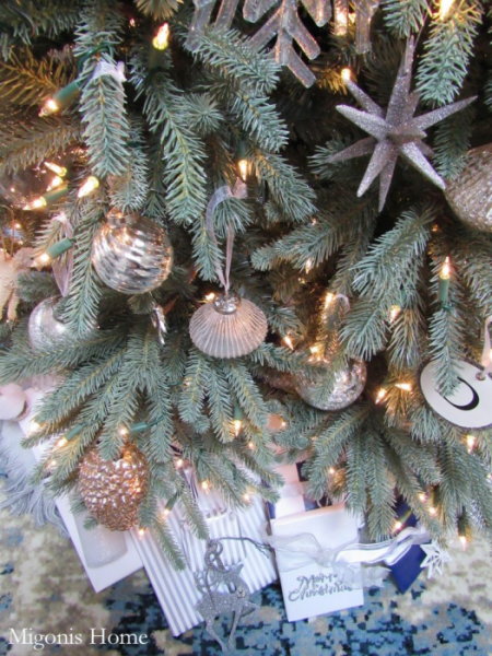 Decorated tree from Migonis Home