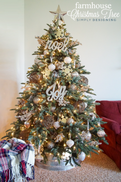 Decorated tree from Simply Designing