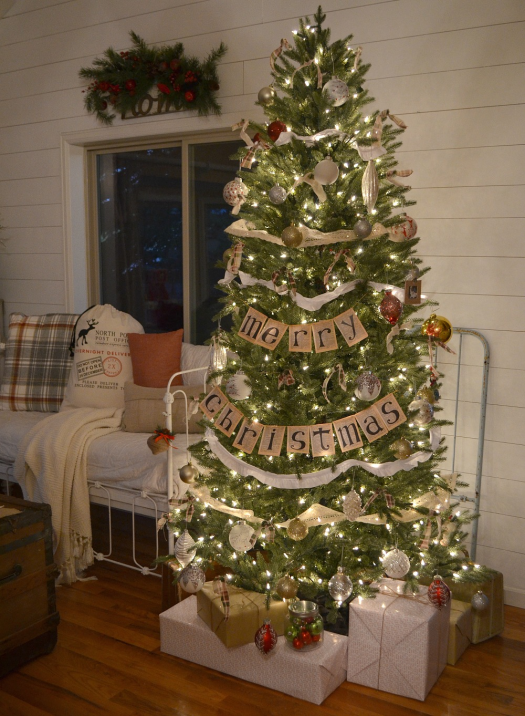 Decorated tree from Little Vintage Nest