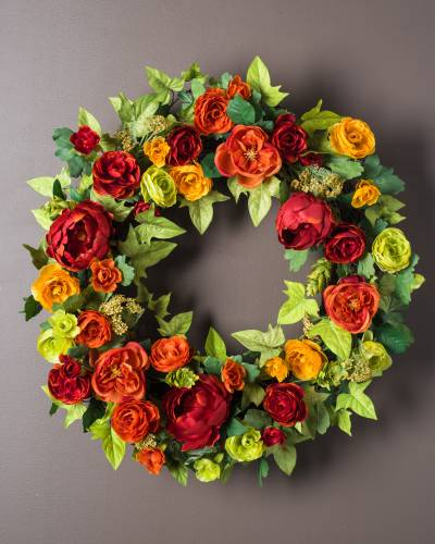 Balsam Hill's Ranunculus and Hops Wreath