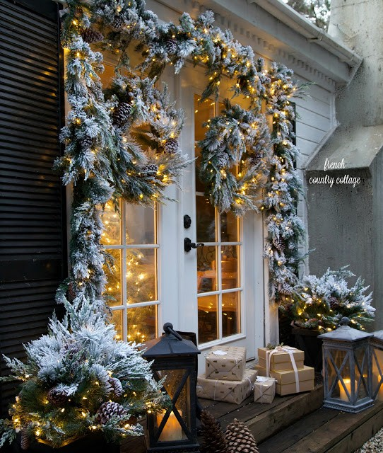 Merry And Bright Doorway Decorations. Photo Courtesy Of French Country  Cottage