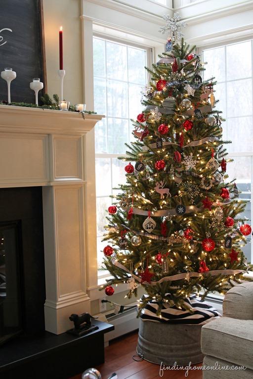 Contemporary Country Christmas Tree