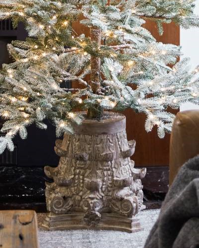 Corinthian Wooden Tree Stand