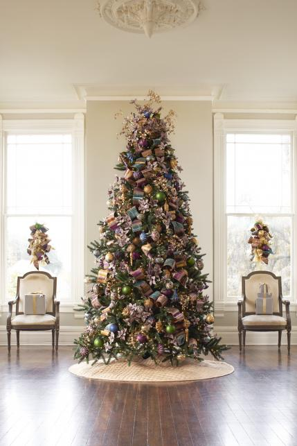 christmas tree with jewel toned ornaments - Christmas Decorating Themes