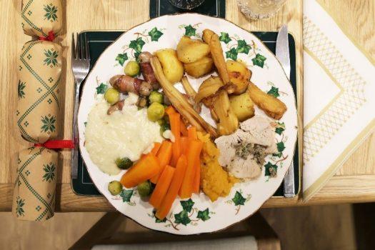 UK Christmas plate