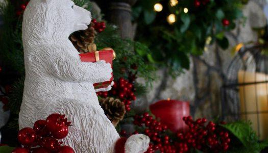 Delilah's Christmas Mantel Design 1