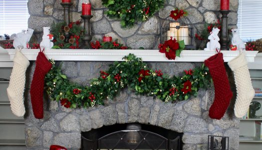 Delilah's Christmas Mantel Design 5