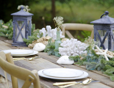 Holiday Outdoor Tablescape