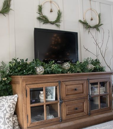 White Berry Cypress Garland, LED Fairy Light Ornaments