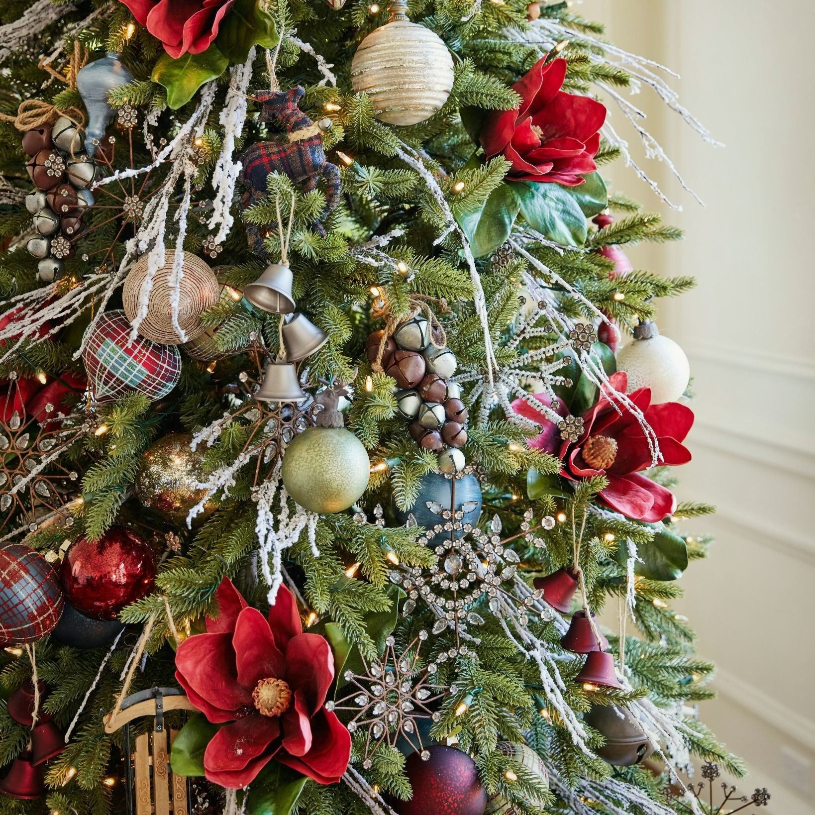 A Guide To Christmas Tree Ornaments  Balsam Hill Artificial