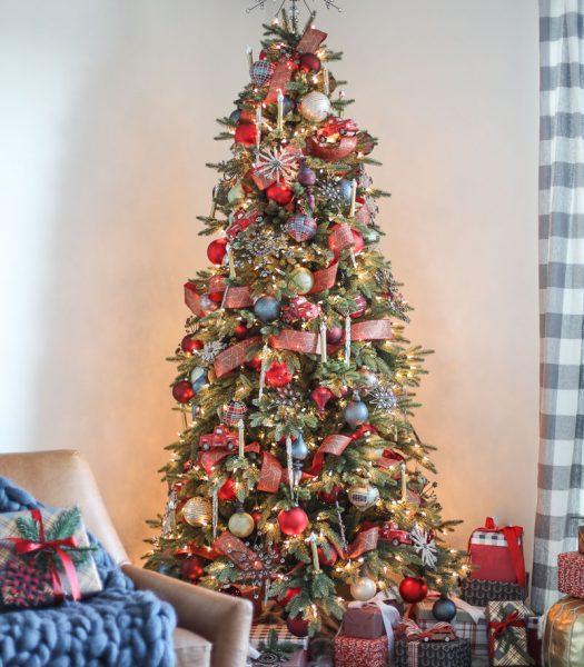Stratford Spruce, Antiqued Snowflake Ornaments, Farmhouse Christmas Ornaments.