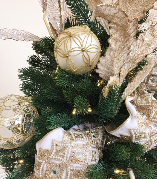 Biltmore Legacy Ornaments and Gilded Ribbon
