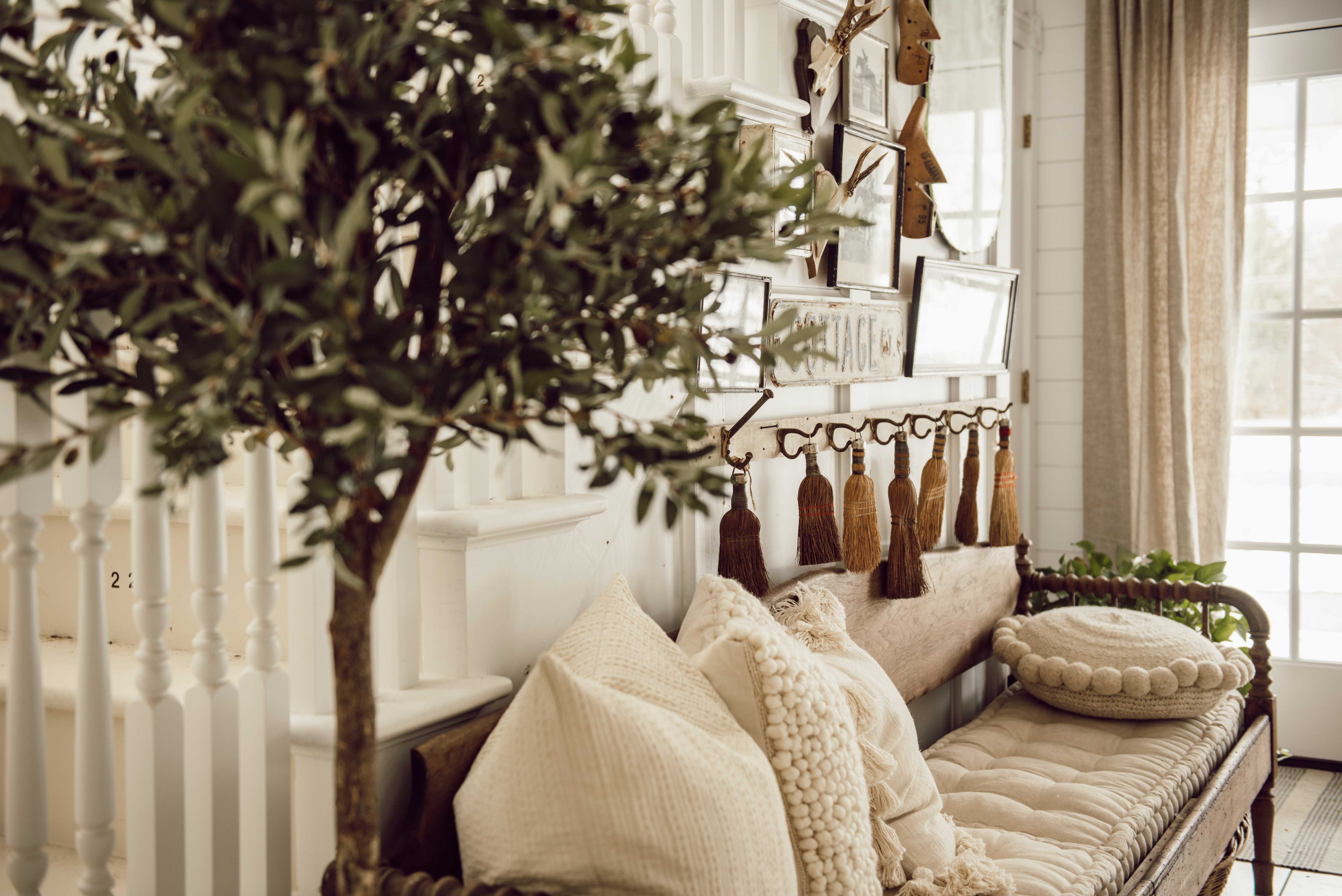 1 Easy Way To Add A Rustic Touch To Your Home Decor