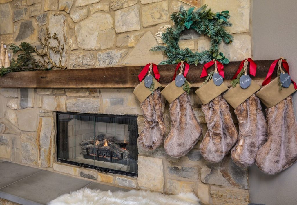 Holiday home décor by Eric and Lindsey Bennett of the Desert Flippers