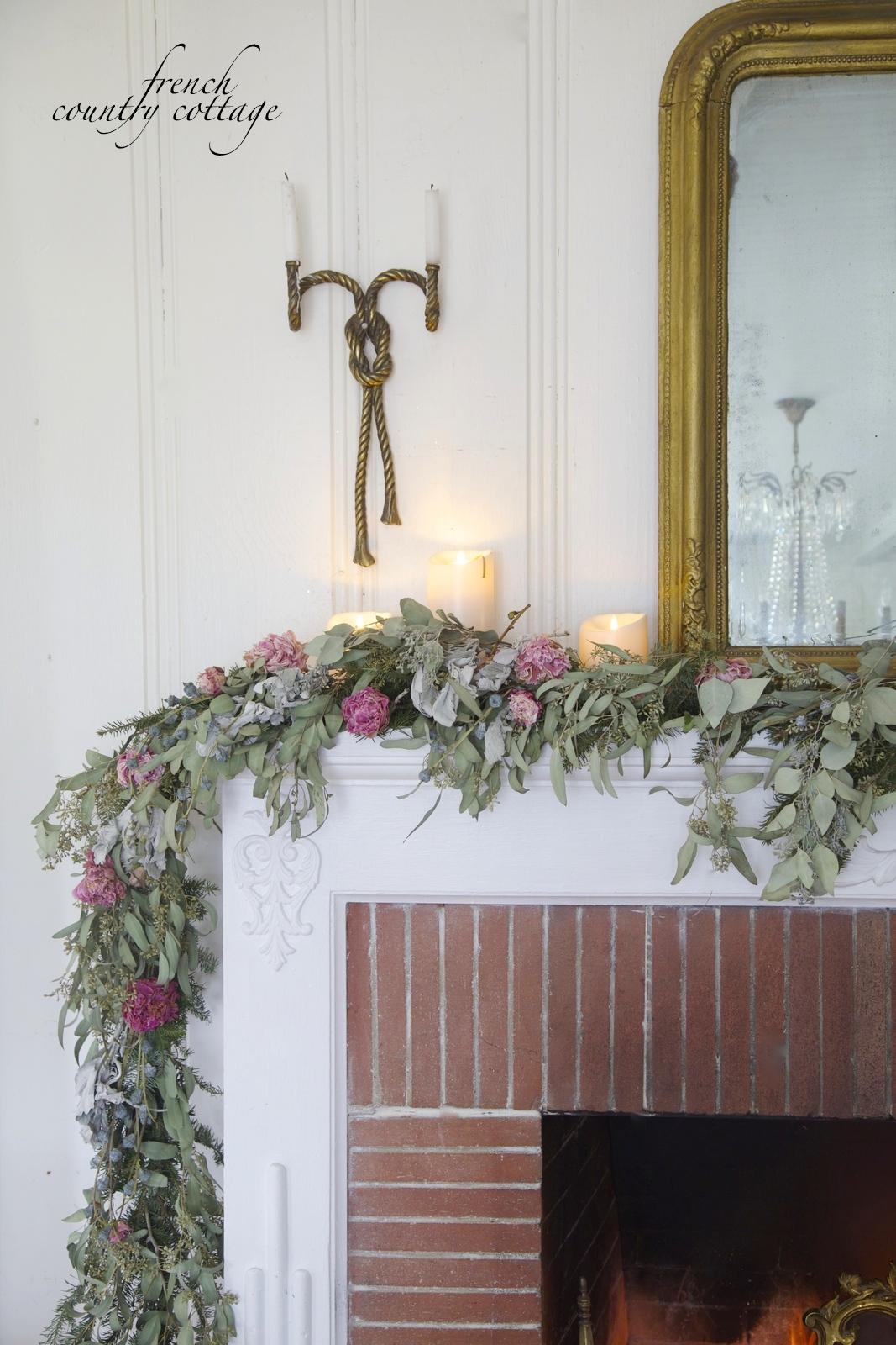 Wintry garland decor