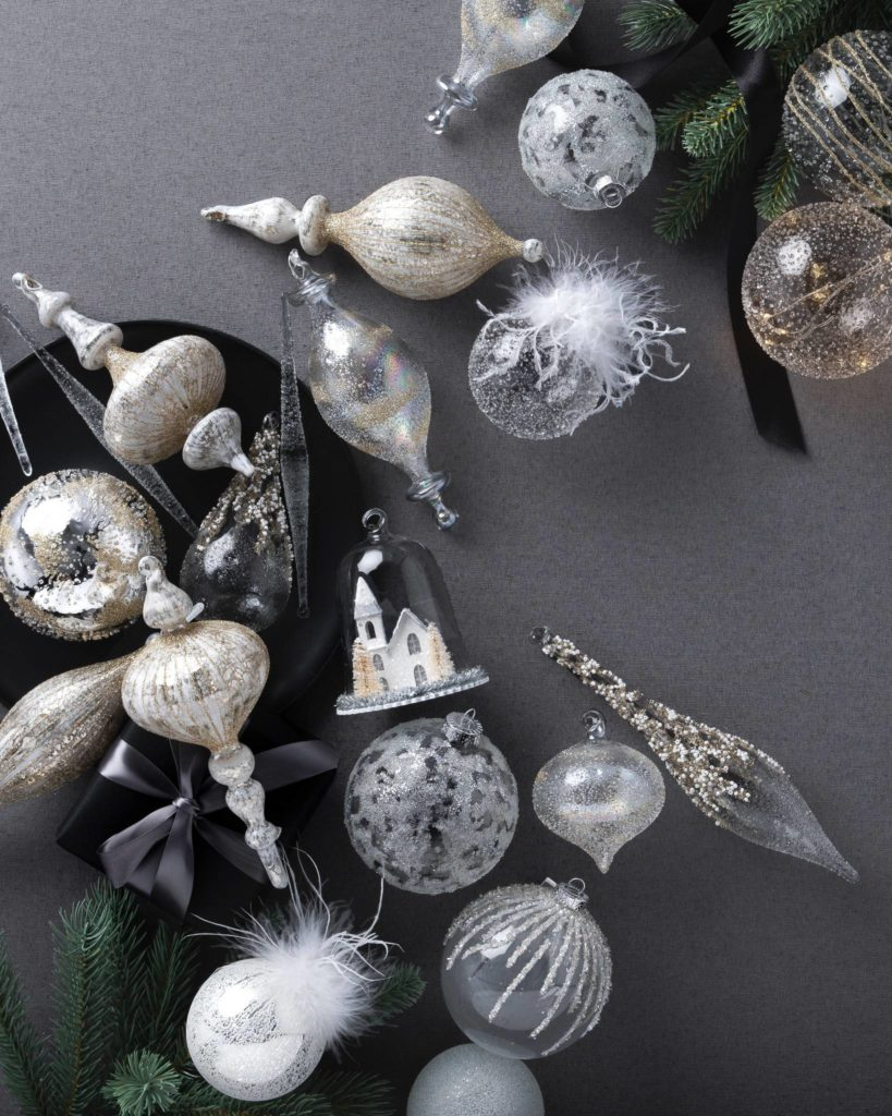 Winter White Christmas tree ornament set