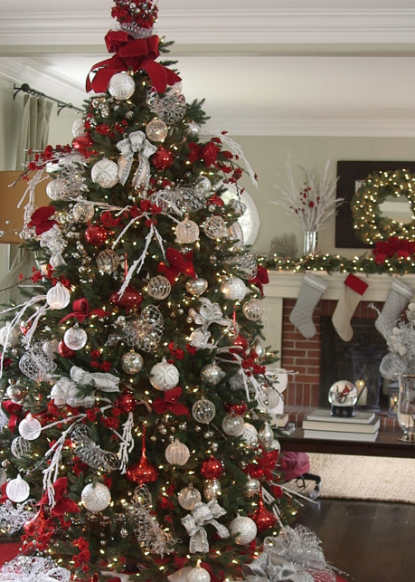 red white sparkle tree