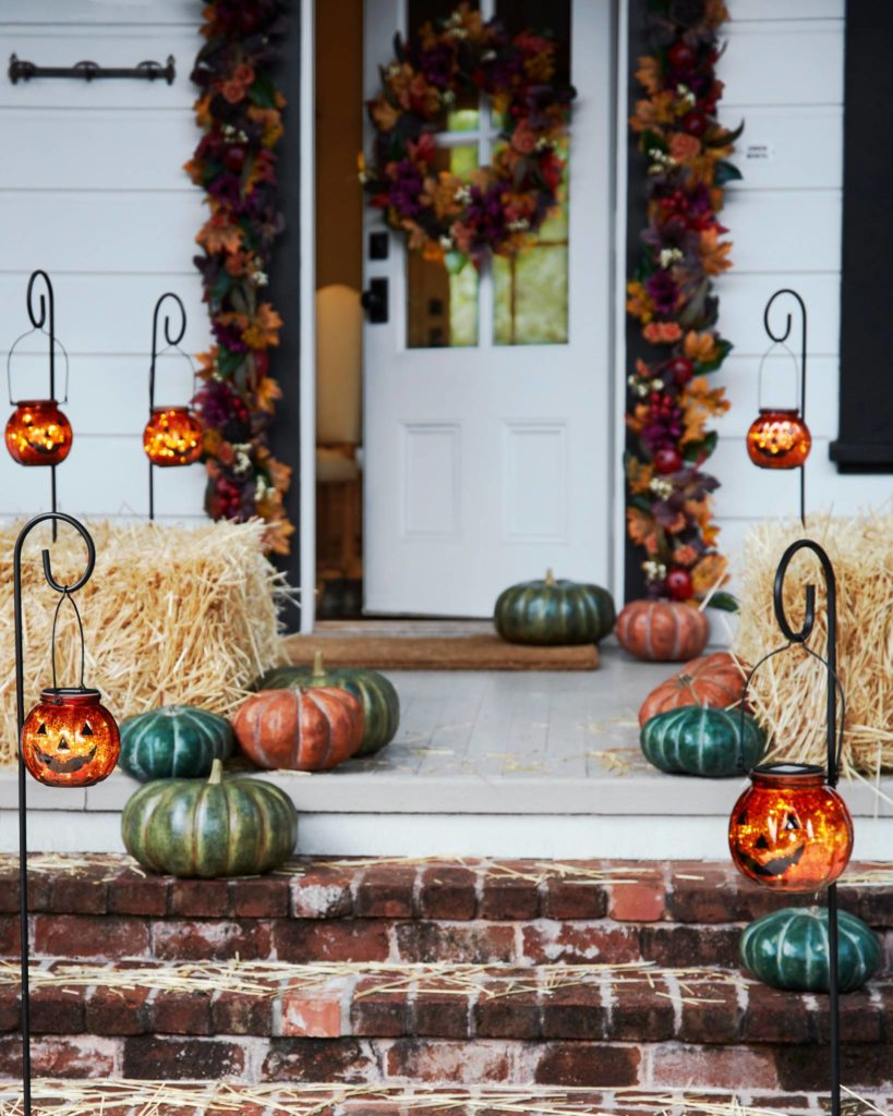 Pumpkin lanterns to light up the path to front door