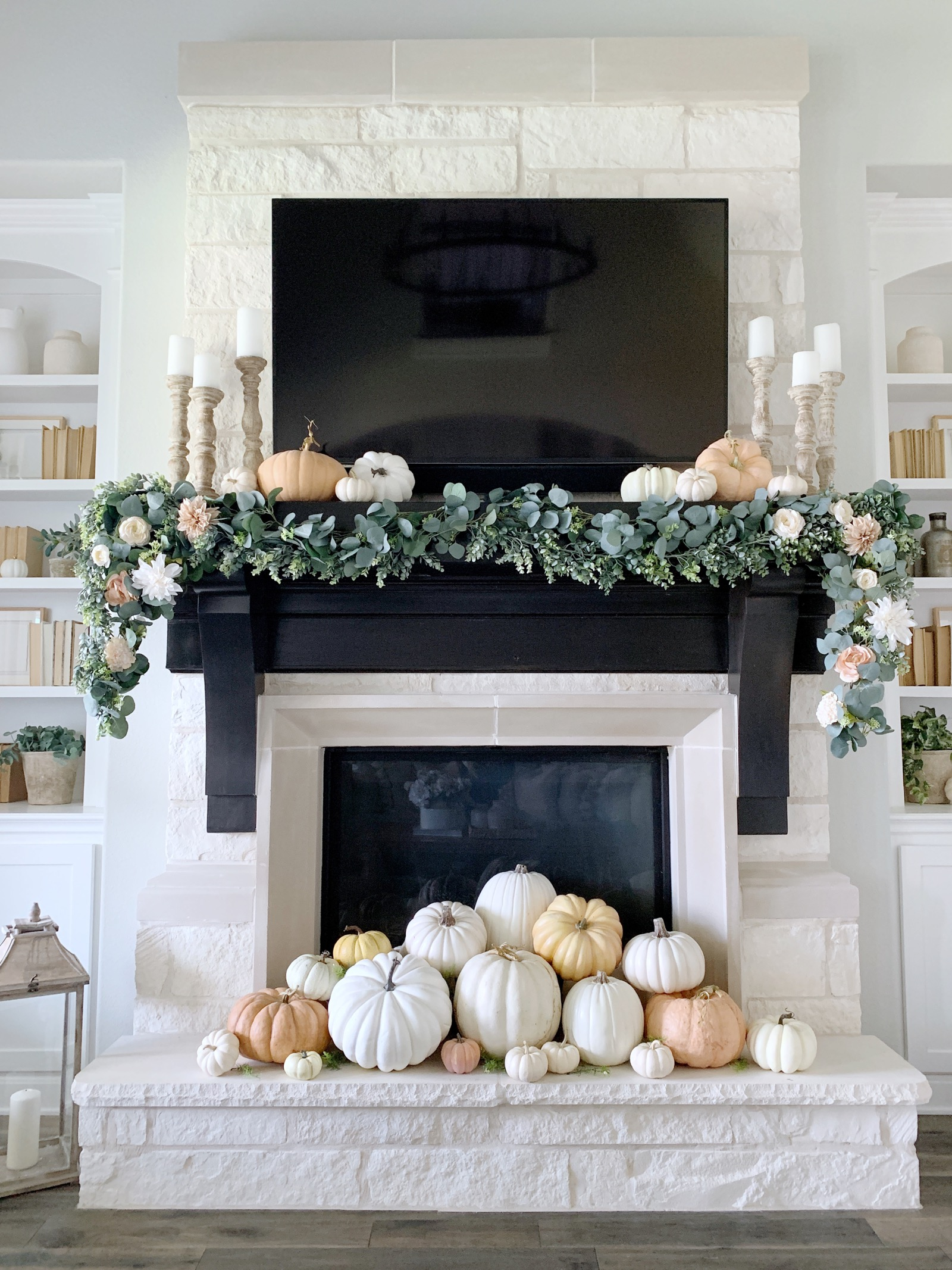 Mantel Decorating A Holiday Tradition Balsam Hill Blog