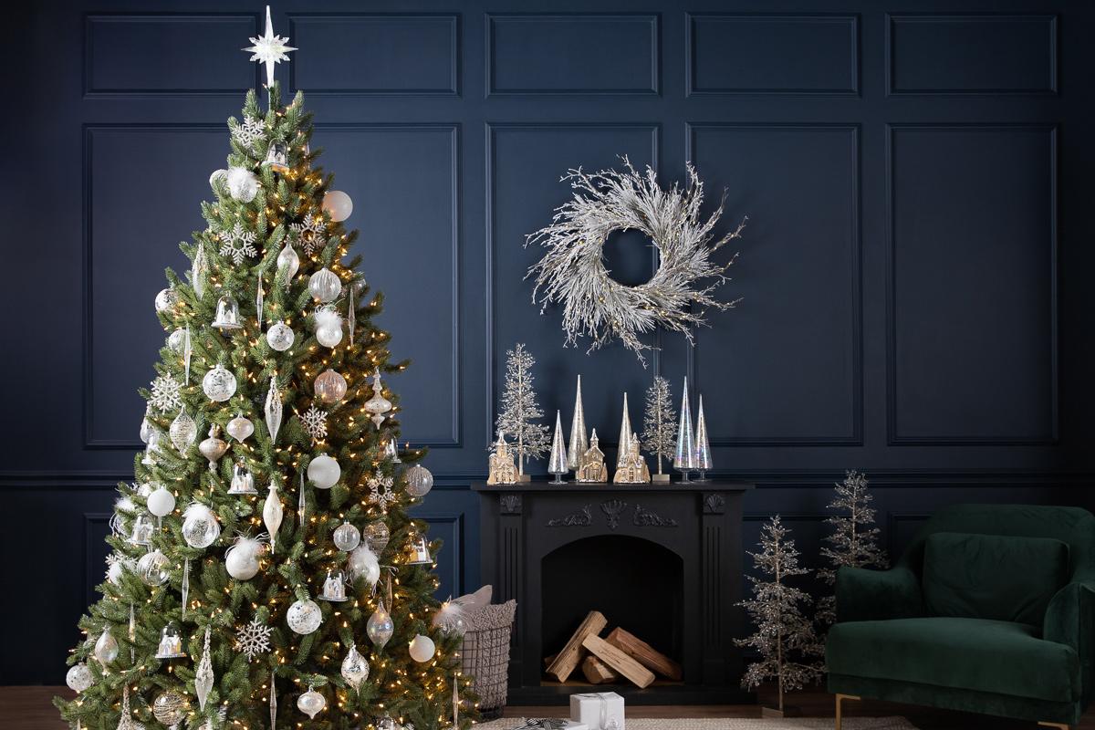 benefits of artificial Christmas trees vs real Christmas trees