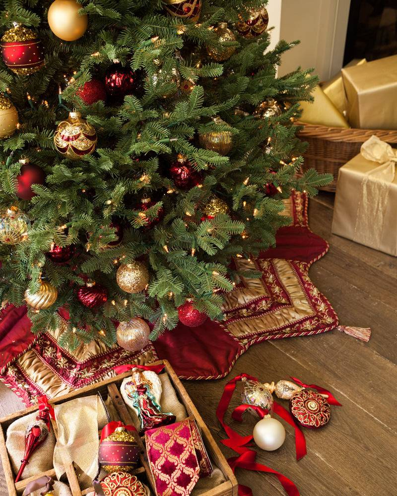 Balsam Hill BH Balsam Fir Narrow Tree Decorated Black Friday Sale