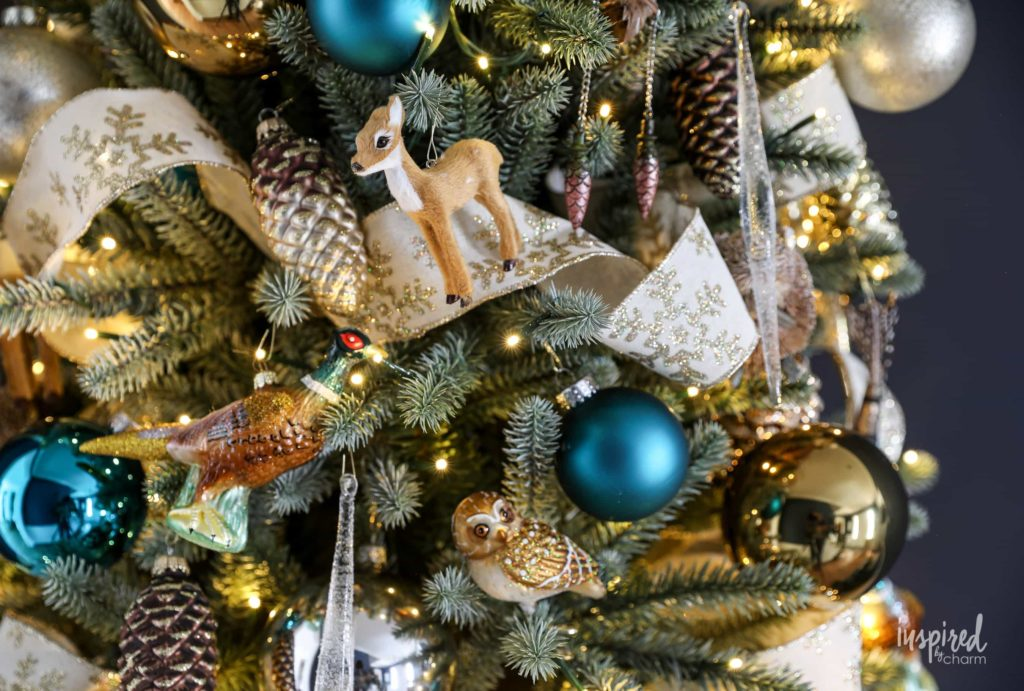 Woodland Theme is one of the best ways to decorate a Christmas tree