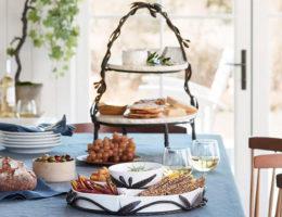 table setting ideas for Christmas