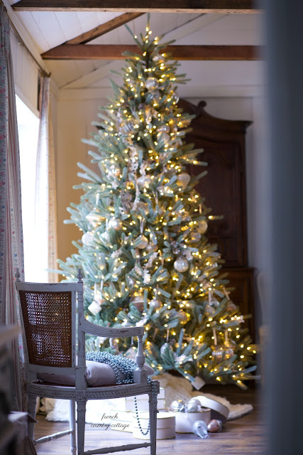 pre-lit christmas tree with french country decor